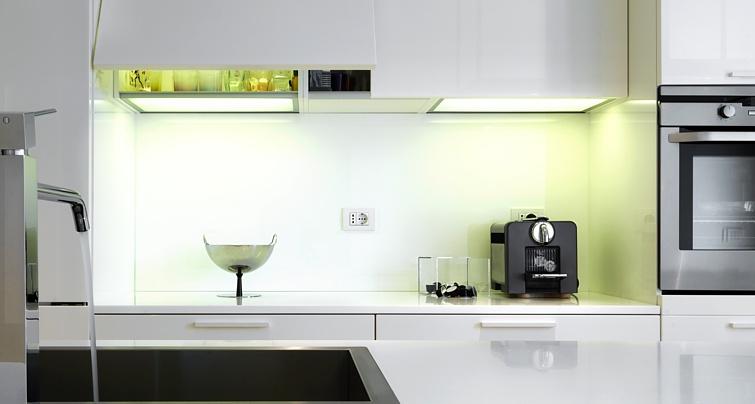 Dno LED - wieniec dolny szafki kuchennej